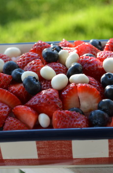 Red White and Berry Salad Recipe
